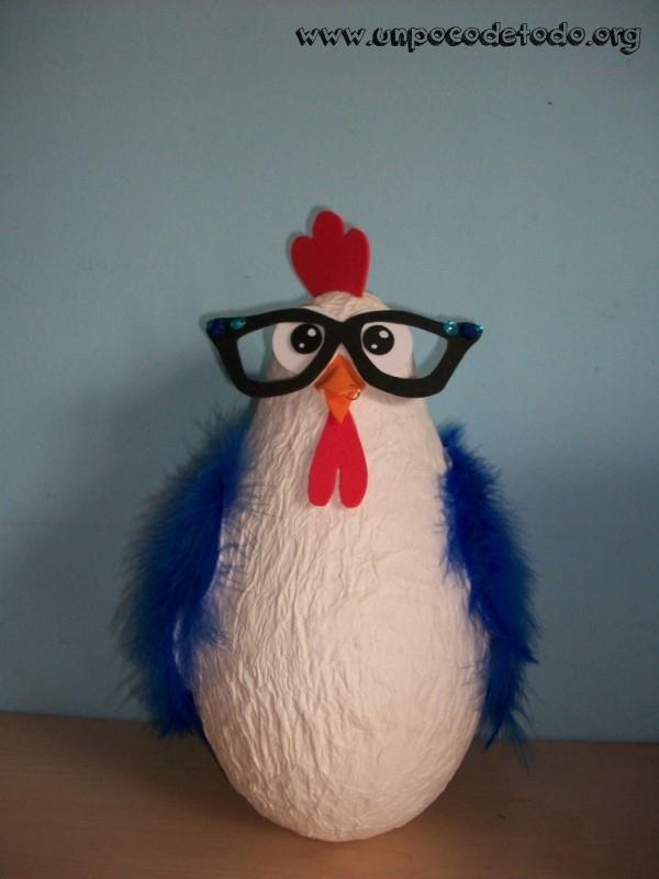 Un poco de gallina de plumas azules - Manualidades con plumas ...